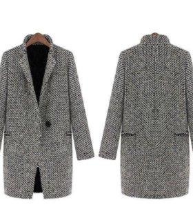 Весеннее женское пальто