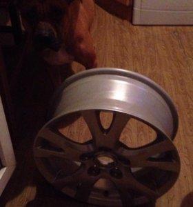 Литой диск R15