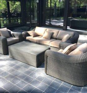 Новый комплект садовой мебели