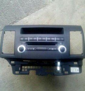 Штатный магнитофон Mitsubishi Lancer х