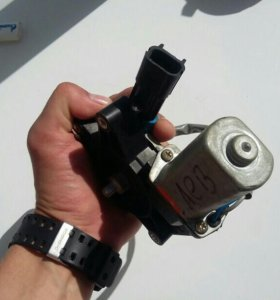 Мотор стеклоподъемника левый Ваз 2110