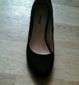 Срочно! Продам туфли,почти не носила