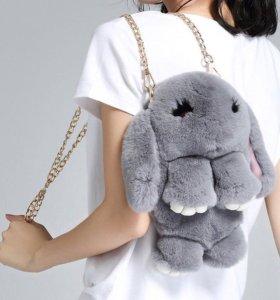 Сумка кролик,меховой рюкзак зайка , меховой кролик