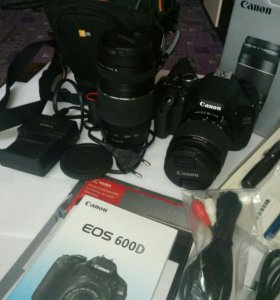 Зеркальный фотоаппарат. Canon EOS 600D.