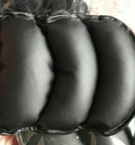 Подушка на подлокотник в авто