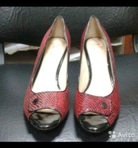 Туфли лакиров.