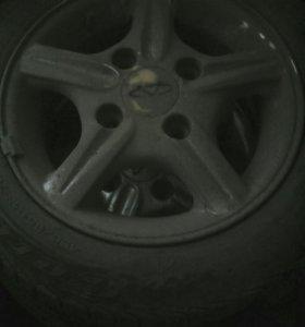 Шины летние, диски литые на Деу матиз