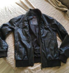 Куртка мужская Bershka р.S (46-48)
