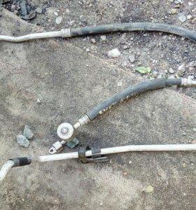 На Rnessu трубки кондиционера