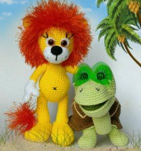 Львенок и черепаха крючком