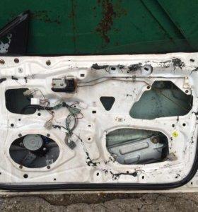 Дверь передняя правая Mazda 323F 94-98г
