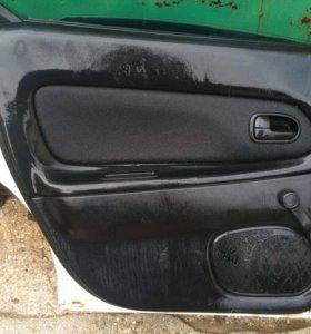 Дверь задняя левая Mazda 323F 94-98 г.г