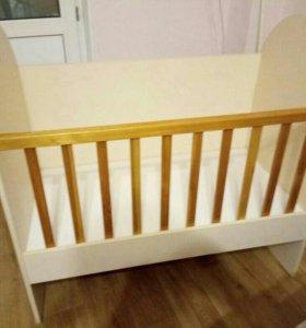 Продаю детскую кроватку 89241638871