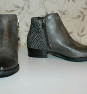 Ботинки ovue' новые
