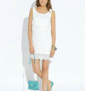 Платье белое р-р 42