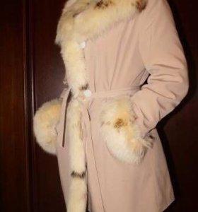 Женская куртка с мехом песца