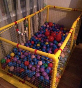 Большой манеж и шарики