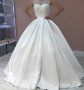 Новое свадебное платье Дейзи