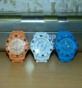 Часы (пластиковые)