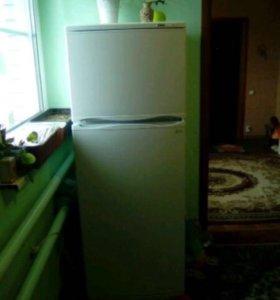 Холодильник atlant(двухкамерный), город Кирсанов
