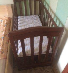 Детская кроватка/люлька/ качалка с матрасом