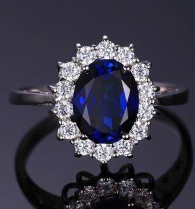 Шикарное серебряное кольцо с сапфиром