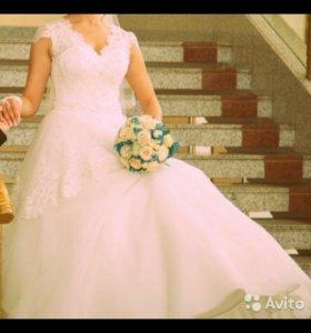 Красивое свадебное платье!