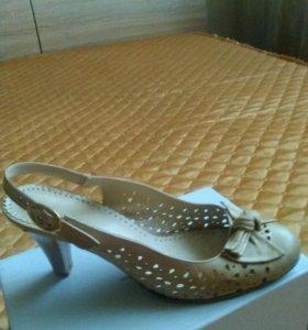 Жен.туфли в хорошем состоянии.