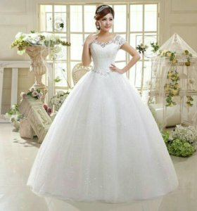 Свадебное платье новое с кружевом XS