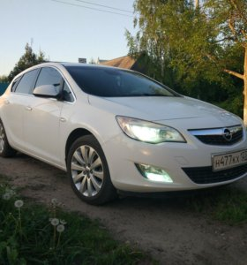 Opel Astra J Cosmo 1.4Т