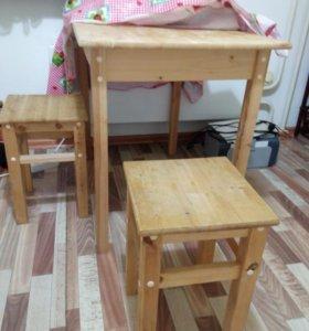 Стол + 2 табурета