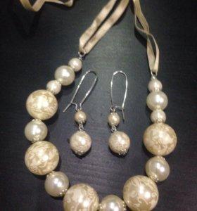 Бусы, ожерелья, кулоны, браслеты.