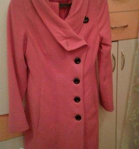 Пальто ,размеры44-46