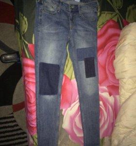 Фирменные джинсы узкие новые 42-44р,s