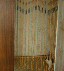 Штора из деревянных бус