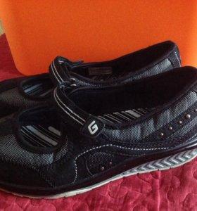 Спортивные туфли - 39 размер