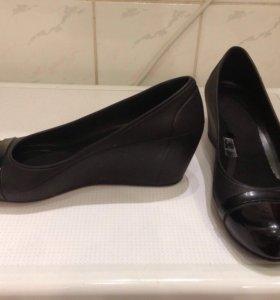 Новые туфли Кроксы размер 34