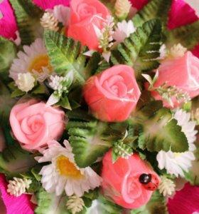 Букет из мыльных бутонов роз.