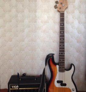 Бас-гитара и комбик