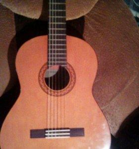 Классическая гитара yamaha-С40