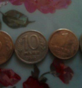 Продам монеты 1 монета-100р