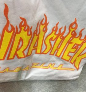 Футболки Thrasher, Supreme