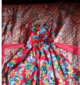 Платье в цветочек .