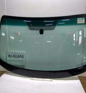 Лобовое стекло INFINITI FX35 (03-08г)