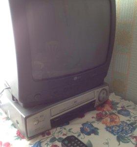 Телевизор маленький с пультом и видеомагнитофоном