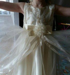 Нарядное детское платье 6,7,8 лет