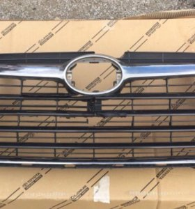 Решетка радиатора Toyota Highlander