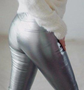 Серебряные леггинсы под кожу