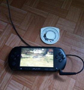 Портативная игровая приставка PSP