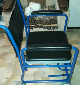 Новая кресло-каталка с санитарным оснащением. Торг